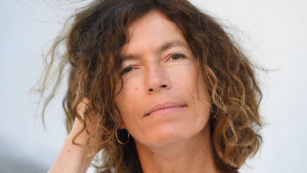 Die Autorin und Übersetzerin Anne Weber, neue Stadtschreiberin von Bergen-Enkheim, nimmt an einem Pressetermin teil. Sie ist mit ihren Roman «Annette, ein Heldinnenepos» auf der Shortlist und für den Deutschen Buchpreis 2020 nominiert.
