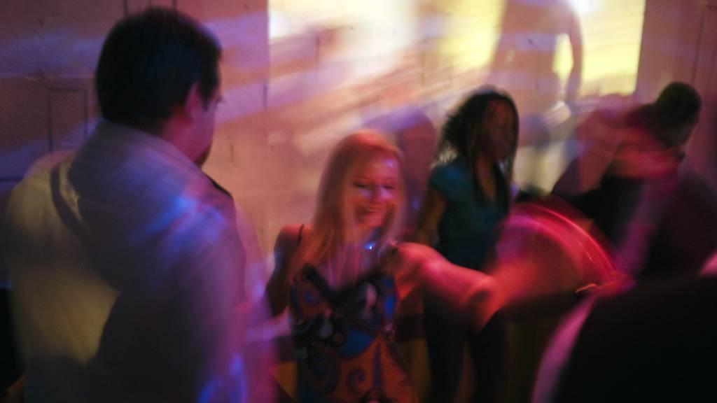 Ausweispflicht für Gäste von Bars und Clubs