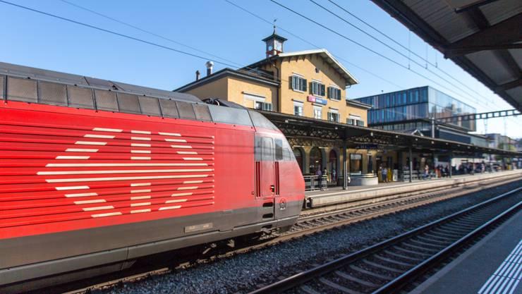 Umstrittene Praxis: Um Verspätungen aufzuholen, streichen die SBB kurzerhand Halte an Bahnhöfen in kleineren Städten. Zuletzt etwa in Baden.