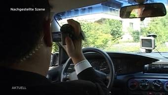 Mit der Digitalisierung der Gesellschaft hat sich auch die Kriminalität verändert. Die Polizei im Kanton Solothurn will auf diese Änderung reagieren und vermehrt verdeckt ermitteln. Doch ist diese Überwachung wirklich gerechtfertigt?