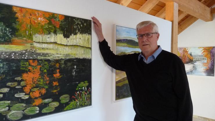 Otto Jost hat im Dachgeschoss seines Hauses eine Galerie eingerichtet.