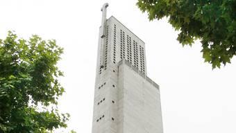 Die Antoniuskirche: eine Freude für Architekturhistoriker, ein Leid für die Anwohner.Bild: Georgios Kefalas/Keystone (2. Juli 2010)