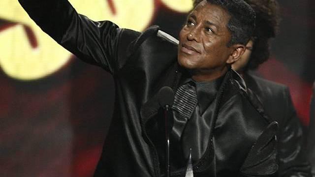 Jermaine Jackson nimmt Preise für seinen Bruder entgegen