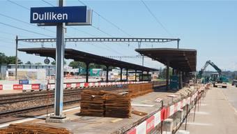 Erinnert immer mehr an ein nacktes Gerippe: Bahnhof Dulliken im Umbau, Stand Ende Juni 2016.