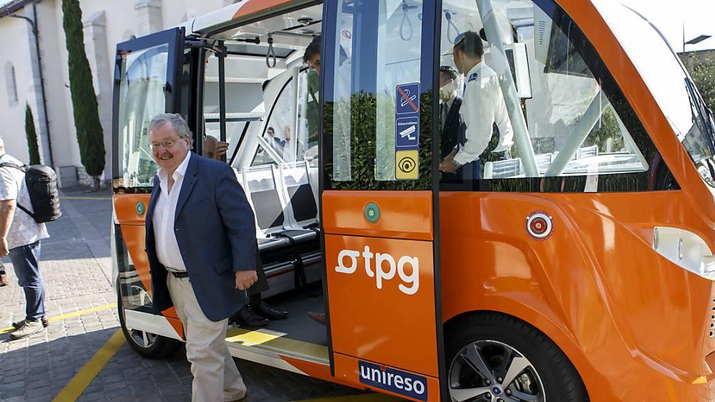 Autonom fahrender Pendelbus kann in Genf per App angefordert werden
