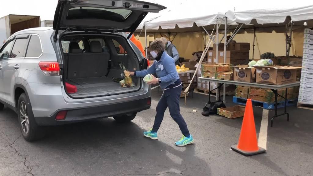 Millionen ohne Job: Amerikaner sind auf Essensausgaben angewiesen