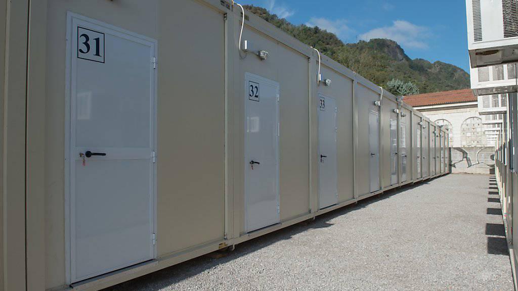 Die in Como gestrandeten Flüchtlinge sollen mit Beginn der kühleren Jahreszeit in die neuen Wohncontainer ziehen. 250 Personen haben von dem Angebot bislang gebraucht gemacht. (Archiv)