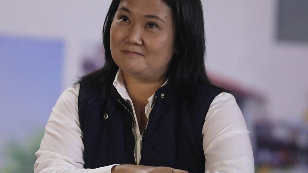 Präsidentschaftskandidatin Keiko Fujimori lächelt während einer Pressekonferenz in ihrer Wahlkampfzentrale. Foto: Guadalupe Pardo/AP/dpa