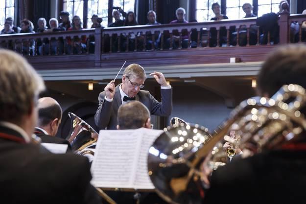 Dirigent Martin Bütikofer mit viel Gefühl.