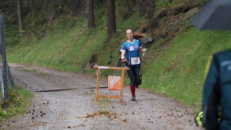 Lilly Graber lief als Erste über die Langdistanz ein