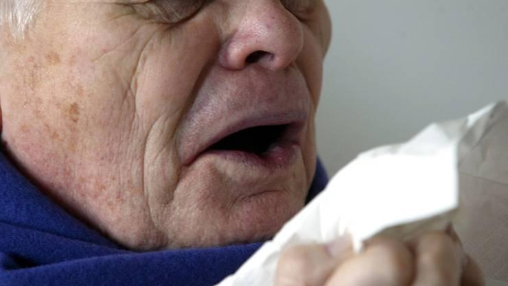 Der Bund empfiehlt: Sich impfen lassen, bevor die Grippe kommt. (Symbolbild)