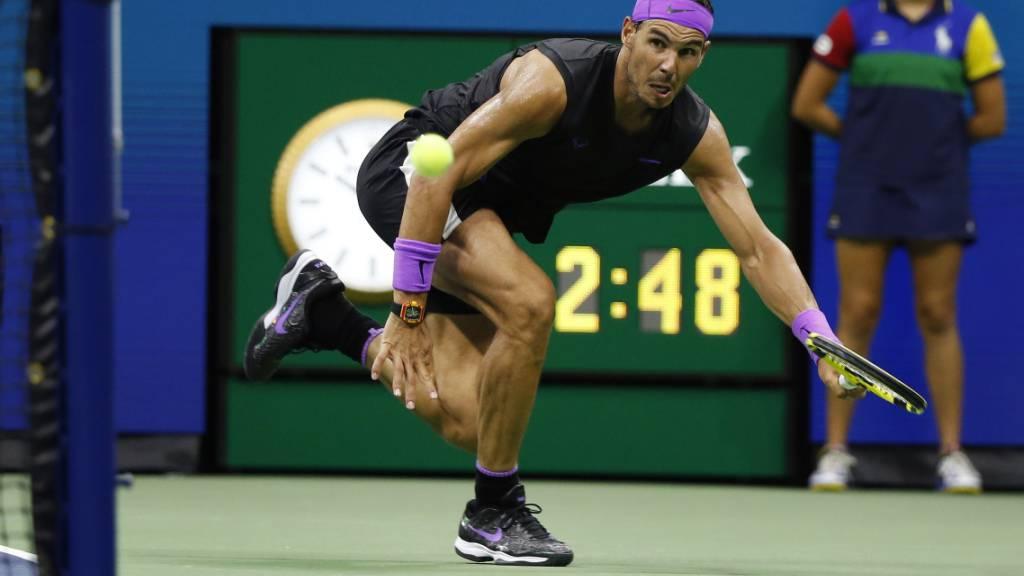 Spektakulär: Den zweitletzten Punkt des Achtelfinals gegen Maris Cilic gewann Rafael Nadal mit einem Ball um den Netzpfosten herum