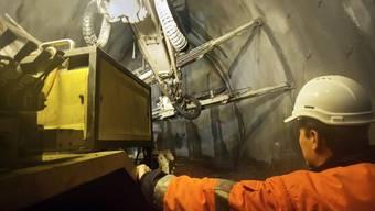 Archivaufnahme der Arbeiten im Tunnel von Eyholz