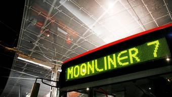 Gelten in Moonliner-Bussen künftig normale Billette? – Eine Studie empfiehlt, an Zuschlägen festzuhalten. sat