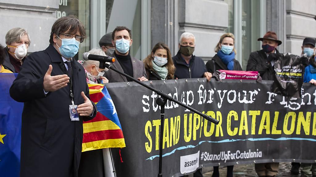 EU-Parlament hebt Immunität Puigdemonts auf - Separatisten in Haft