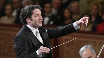 Premiere am Traditionsanlass: Der Venezolaner Gustavo Dudamel dirigierte erstmals das Neujahrskonzert der Wiener Philharmoniker.