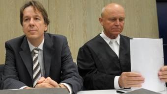 Jörg Kachelmann hat seine Anwälte Reinhard Birkenstock und Klaus Schroth (rechts) entlassen. (Archiv)