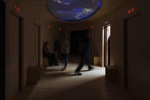 """Das Theaterkollektiv Rimini Protokoll zeigt in der Kaserne Basel seine Installation """"Nachlass"""""""