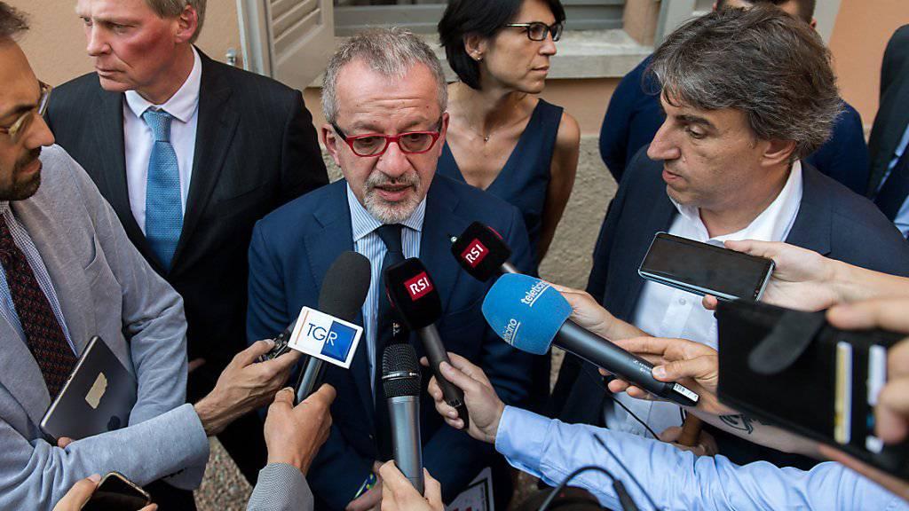 Die Tessiner Kantonsregierung hat am Mittwoch eine Lösung im Streit mit der Region Lombardei um die grenzüberschreitende Bahnlinie Stabio-Arcisate finden können.