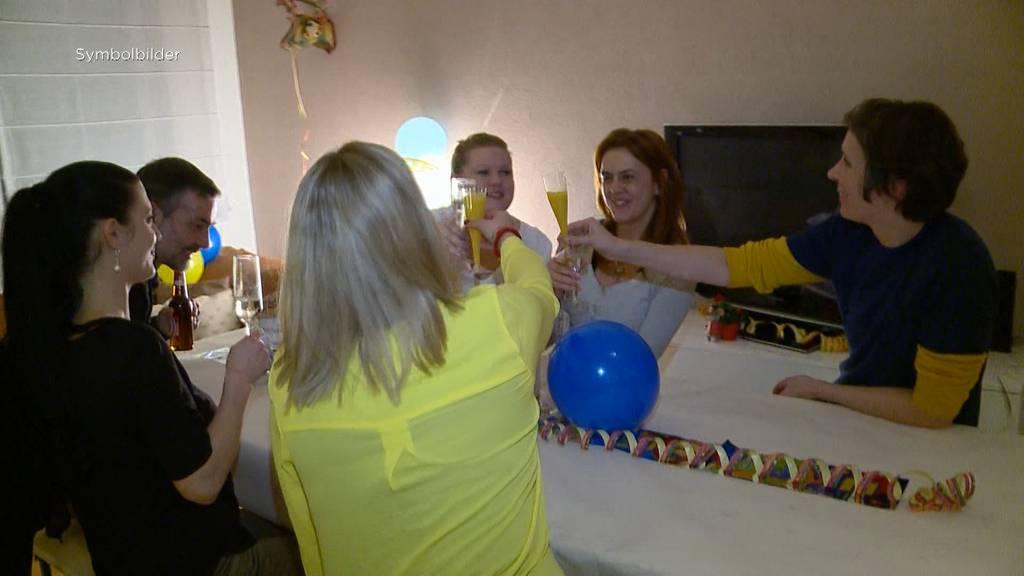 Bundesrat plant Corona-Massnahmen fürs Wohnzimmer: Sind sie realistisch?