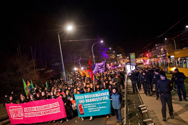 «Gegen Biedermänner und Brandstifter»: Anti-Pegida-Proteste in Dresden.