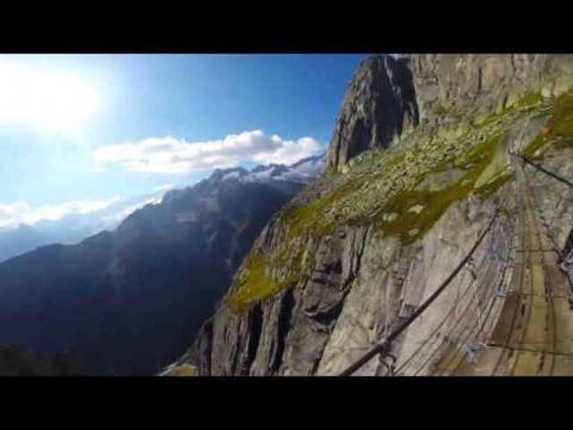Alpines Erlebnis: Über die Salbit-Brücke.