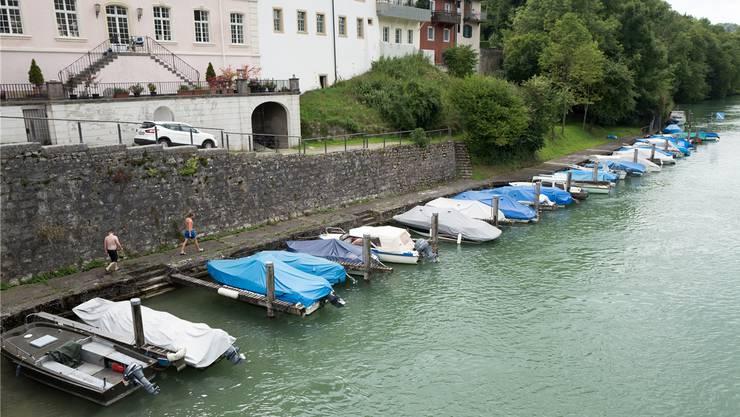 Die Kaiserstuhler Hafenanlage mit 34 Anlegeplätzen soll rheinabwärts Richtung Rümikon um 20 Plätze erweitert werden. (Archivbild)