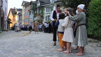 Die Bremgarter Altstadt erwies sich einmal mehr als ideale Kulisse für das szenische Theater.