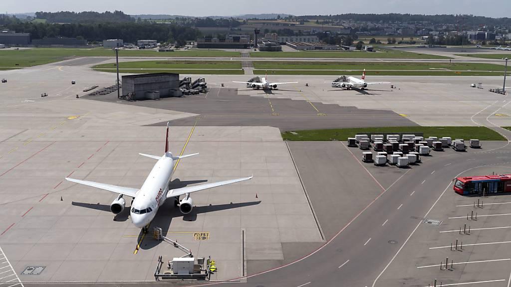 Die Corona-Krise reisst ein tiefes Loch in die Kassen der internationalen Airlines. Der Branchenverband IATA rechnet mit Verlusten von mehr als 200 Milliarden US-Dollar.(Archivbild)