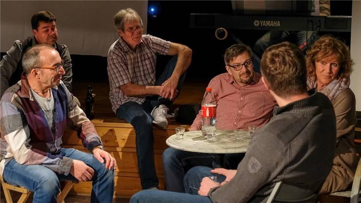 Das Ensemble des Theaters Utzenstorf mit Capus-Stück «Mein Nachbar Urs».