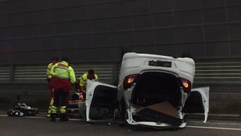 A1 bei Oetwil: Auto überschlagen