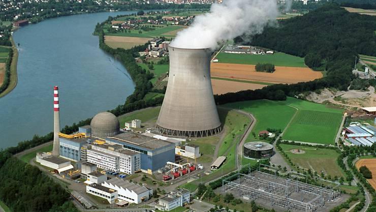 Die Schweizer Stimmberechtigten lehnen die Atomausstiegsinitiative der Grünen ab. Es bleibt somit unklar, wann das letzte AKW in der Schweiz vom Netz geht. (Archivbild)