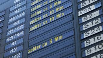ÖV-Passagiere in der Schweiz sollen bei grossen Verspätungen künftig einen gesetzlichen Anspruch auf Entschädigungsleistungen erhalten.