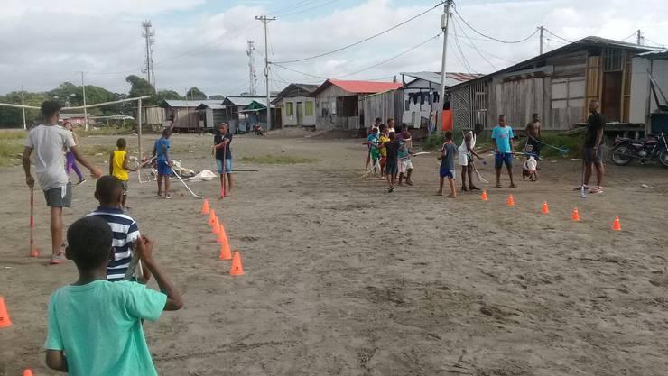 Grosse Begeisterung: Kinder in der Region Nariño trainieren auf der Strasse.