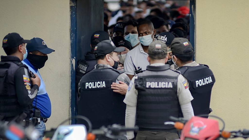 Neue Krawalle nach Blutbad mit fast 80 Toten in Ecuadors Gefängnissen