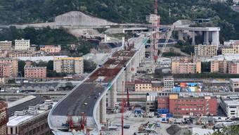 Beim Bau der neuen Brücke von Genua ist ein Meilenstein erreicht. Die Struktur der Autobahnbrücke, die den West- und Ostteil der italienischen Stadt verbindet und 2018 eingestürzt war, ist fertig.
