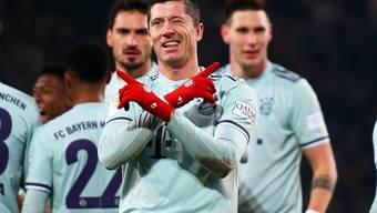Die Bayern können wieder jubeln: Robert Lewandowski nach seinem Tor zum 4:0 gegen Hannover