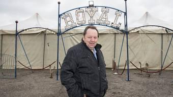 Beat Breu vor dem grossen «Circus-Royal»-Zelt: «Mit der Aufgabe beim Zirkus erfüllt sich für mich ein Bubentraum.»