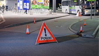 Tatort: Hier an der Bushaltestelle in Ziegelbrücke wurde der Chauffeur verprügelt
