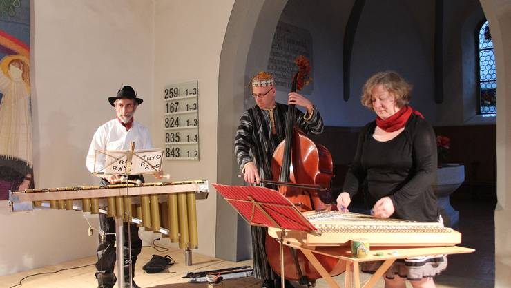 Volksmusik, die Spass macht: Das Trio Räss mit (v. l.) Erich Fischer, Hannes Giger und Belisa Mang. Kel