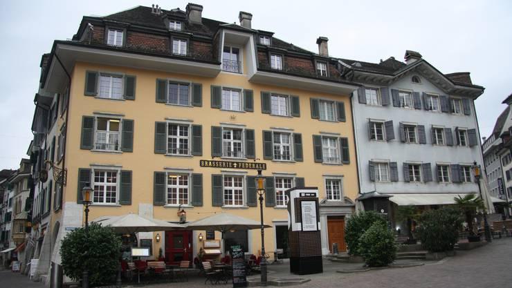 Beide Häuser gehören und Urs Rudolfs Immobiliengesellschaft.