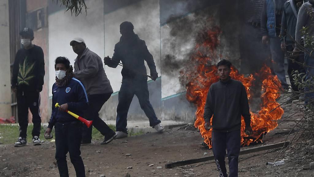 Streitkräfte in Bolivien wollen öffentliche Ordnung schützen