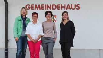von links: Nicole Grogg (neue Gemeindeschreiberin), Annemarie Wüthrich (bisherige Gemeindeschreiberin), Daniela Häberli (neue Gemeindepräsidentin) und Yvonne Fürst (Vizegemeindepräsidentin)