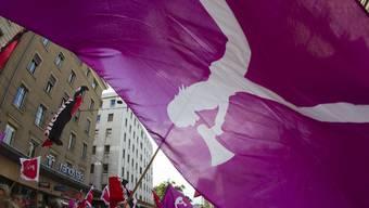 Dürfen Schülerinnen und Schüler über das Email-Verteiler der Kanti zum Frauenstreik aufrufen? (Archivbild)