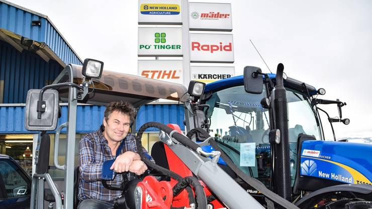 Rolf Mäder glaubt nicht, dass er auf seinen Maschinen sitzen bleibt.