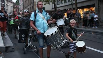 Soli-Marsch für Negro-Rhygass und Gugge Mohrekopf