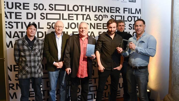 links Michael Imboden, Ruedi Santschi, (Chefin Filmtage Seraina Rohner), Paul Riniker (für den Prix Publique), Jean-Daniel Schneider, Josef Areddy, Jean Golinelli (für den Prix Soleure)
