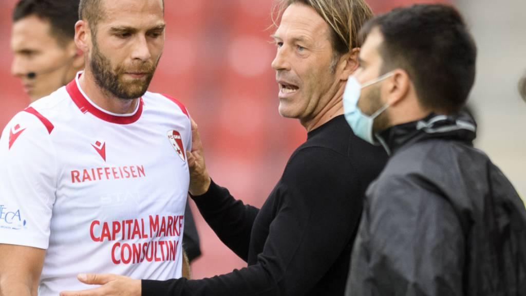 Der FC Sion um Trainer Paolo Tramezzani (Bildmitte) kämpfen um den Ligaverbleib