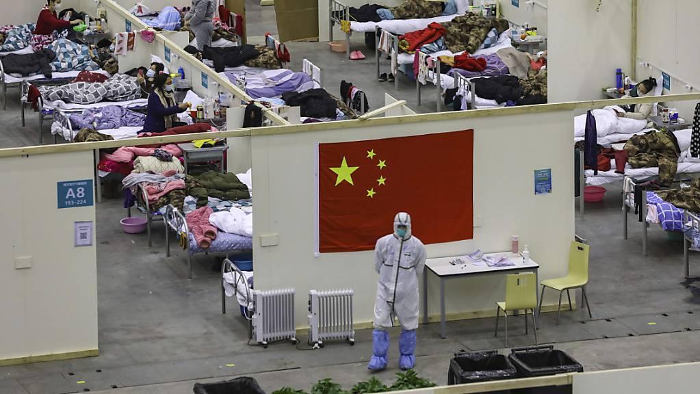 In der chinesischen Provinz Hubei wütet das Coronavirus. Nun kehren fünf weitere Schweizer Bürger aus der Quarantäne-Region in die Schweiz zurück. (Archivbild)