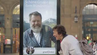 «Allegra, schöni Frau!»: Dieses Video von Graubünden Tourismus ist weltweit ein Hit.